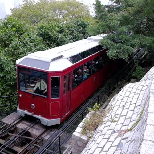 Take Peak Tram in Hong Kong 太平山顶缆车 - Bucket List Ideas