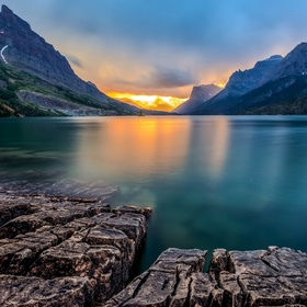 Watch the sunset at St. Mary Lake In Glacier National Park, MT - Bucket List Ideas