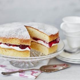 Bake  Victoria sponge cake - Bucket List Ideas