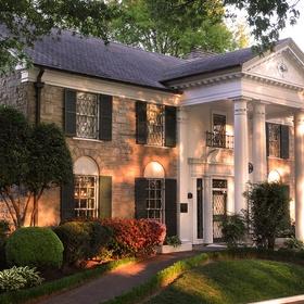 Visit Graceland, Memphis, USA - Bucket List Ideas