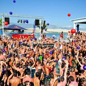 Attend a beach party - Bucket List Ideas
