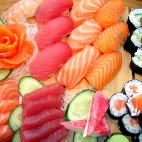 Eat sushi in japan at the fishmarket - Bucket List Ideas
