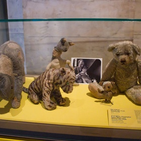 See the real Winnie the Pooh & Pals toys that inspired the story in New York - Bucket List Ideas