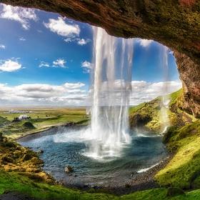 Walk behind a waterfall - Bucket List Ideas