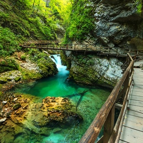 Walk and explore 3 gorges - Bucket List Ideas