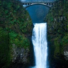 Visit Multnomah Falls, Oregon - Bucket List Ideas
