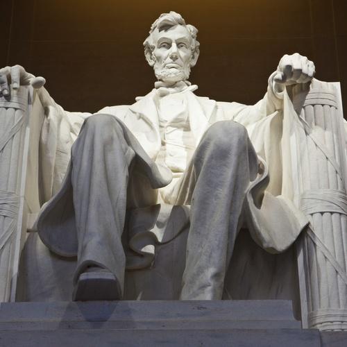 Visit the Lincoln memorial - Bucket List Ideas