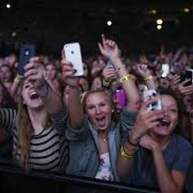 Be In The Front Row Of A Concert - Bucket List Ideas