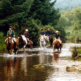 Horseback riding in ireland - Bucket List Ideas