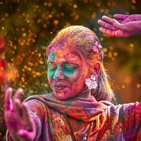Go to India to celebrate Holi - Bucket List Ideas