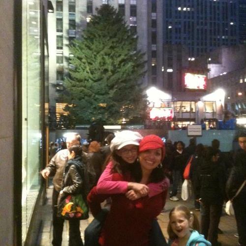 Visit New York City at Christmas time! - Bucket List Ideas