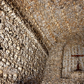 See the skulls of Ossuary Chapel, Alcantarilha, Portugal - Bucket List Ideas
