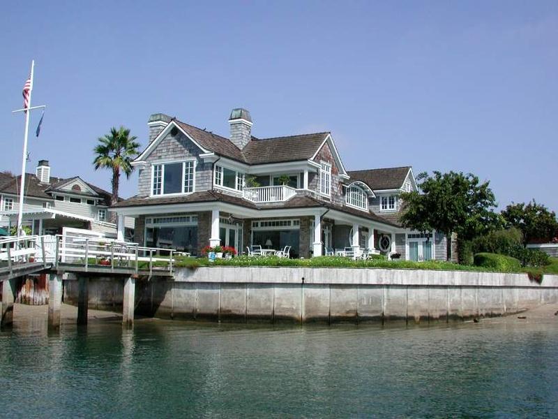 Bucketlist Buy a beach house Official Bucket List