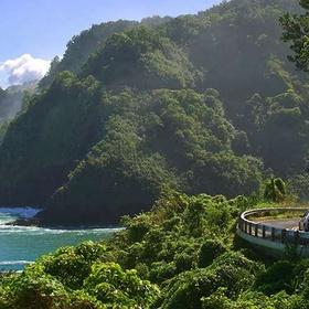 Drive on Hana Highway, Maui - Bucket List Ideas
