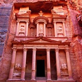 Visit Petra-Jordan - Bucket List Ideas