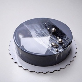 Make a mirror glaze cake - Bucket List Ideas