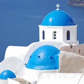 Watch the sunset in Santorini, Greece - Bucket List Ideas