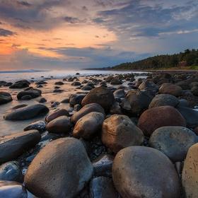 Explore Yeh Leh Beach in Bali - Bucket List Ideas