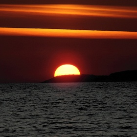 Watch the sunset over the ocean - Bucket List Ideas