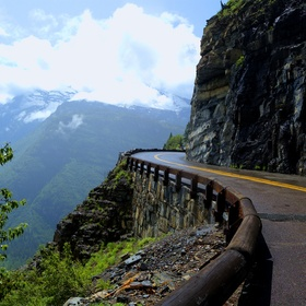 Drive on the Going-to-the-Sun-Road, Glacier National Park, Montana - Bucket List Ideas