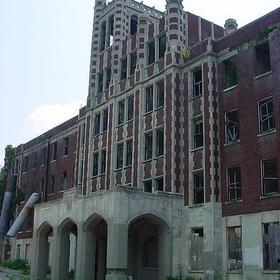 Visit the Waverly Hills Sanatorium (Kentucky) - Bucket List Ideas