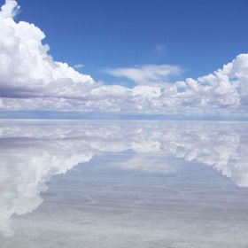 Take an awesome picture at Salar de Uyuni - Bucket List Ideas