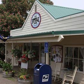 Visit The Oldest Operating General Store In Oregon - Bucket List Ideas