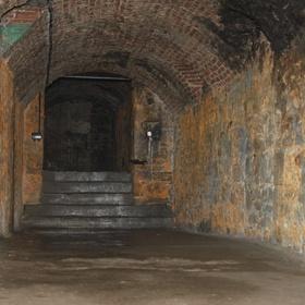 Tour The Edinburgh Vaults in Edinburgh, Scotland - Bucket List Ideas