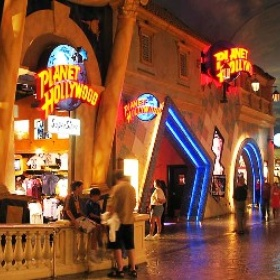 Eat at Planet Hollywood - Bucket List Ideas