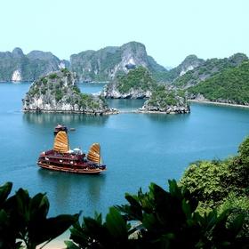Vietnam - Halong Bay - Bucket List Ideas