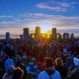 Visit Stonehenge During the Summer Solstice - Bucket List Ideas