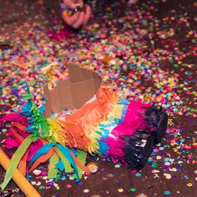 Sla een piñata open - Bucket List Ideas