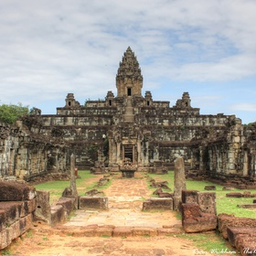 Visit the amazing temples of Angkor Wat in Cambodia - Bucket List Ideas