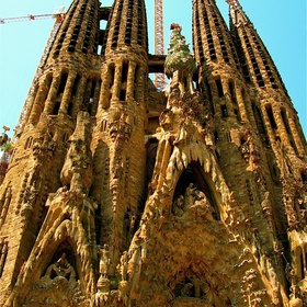 Visit Sagrada Familia - Bucket List Ideas
