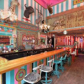 Have a drink at the Unicorn in Seattle - Bucket List Ideas