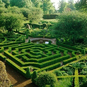 Go though a Hedge maze - Bucket List Ideas