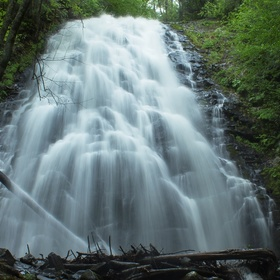 Go see the Crabtree Falls in North Carolina - Bucket List Ideas