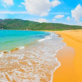 Go on an ORANGE SAND BEACH - Bucket List Ideas