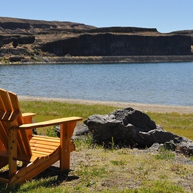 Enjoy the healing mineral waters at Soap Lake in Washington - Bucket List Ideas