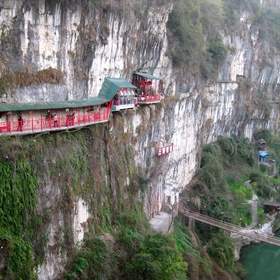 "Go to Fangweng Restaurant or ""The Famous Hanging Restaurant"" in China - Bucket List Ideas"
