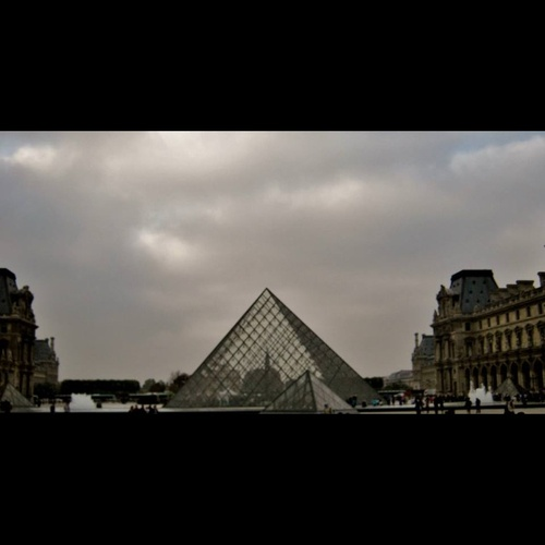 Visit the Louvre - Bucket List Ideas