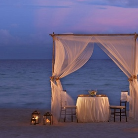 A romantic dinner at the beach - Bucket List Ideas