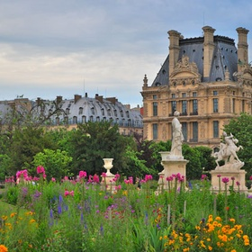 Go to the Tulleries Gardens in Paris, France - Bucket List Ideas