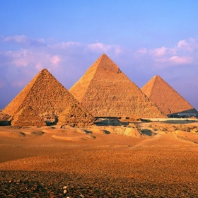 Visit The Pyramids Of Giza In Egypt - Bucket List Ideas