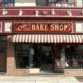 Eat cake in Carlo's Bakery - Bucket List Ideas