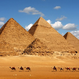 Visit the Great Pyramids of Giza, Egypt - Bucket List Ideas