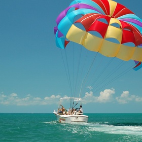 Go parasailing - Bucket List Ideas