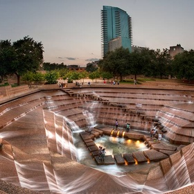 Visit Fort Worth Water Gardens in Texas - Bucket List Ideas
