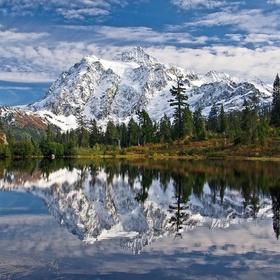 Hike Mount Shuksan in Washington - Bucket List Ideas