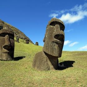 See the Moai statues on Easter Island - Bucket List Ideas